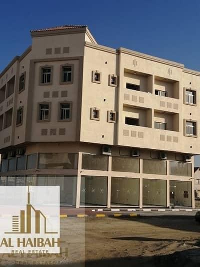 مبنی تجاري  للبيع في الروضة، عجمان - Corner building for sale new in the emirate of Ajman very special location