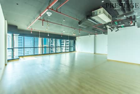 Office for Sale in Jumeirah Lake Towers (JLT), Dubai - Fitted Office I Lake View I High-Floor