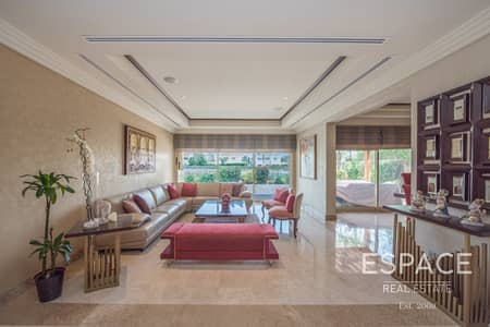 5 Bedroom Villa for Sale in The Meadows, Dubai - Fully Landscaped Garden and Private Pool