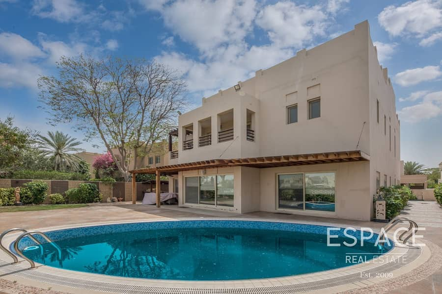 12 Fully Landscaped Garden and Private Pool