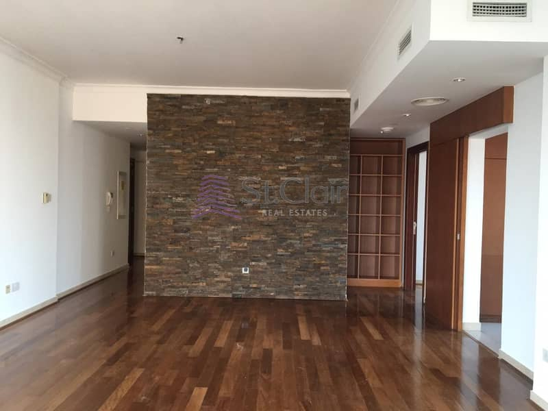1  Bedroom Fully Upgraded In Fairways East With Golf  View
