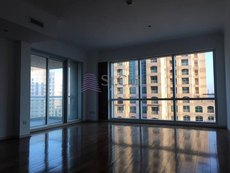 2 1  Bedroom Fully Upgraded In Fairways East With Golf  View