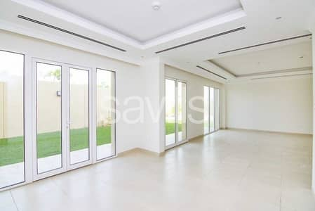 Large 4BR Detached Villa   Vacant on Transfer