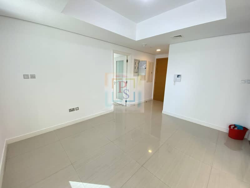 Classy Apt W/D Fully Fitted Kitchen & Balcony