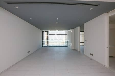 3 Bedroom Flat for Sale in DIFC, Dubai - Panoramic Views - High floor - Vacant