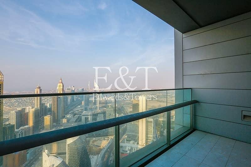 2 Panoramic Views - High floor - Vacant