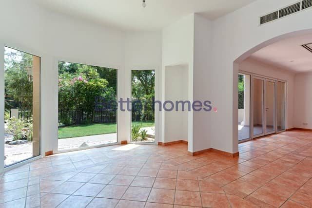 2 3 Bedrooms Townhouse in  Green Community
