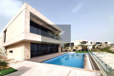 فیلا 5 غرف نوم للبيع في جزيرة السعديات، أبوظبي - Villa w/ Mesmerizing Sea View! Direct Beach Access