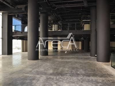 معرض تجاري  للايجار في الخالدية، أبوظبي - Spacious High-end Showroom ( Basement+Ground+Mezzanine) | khalidiya areca