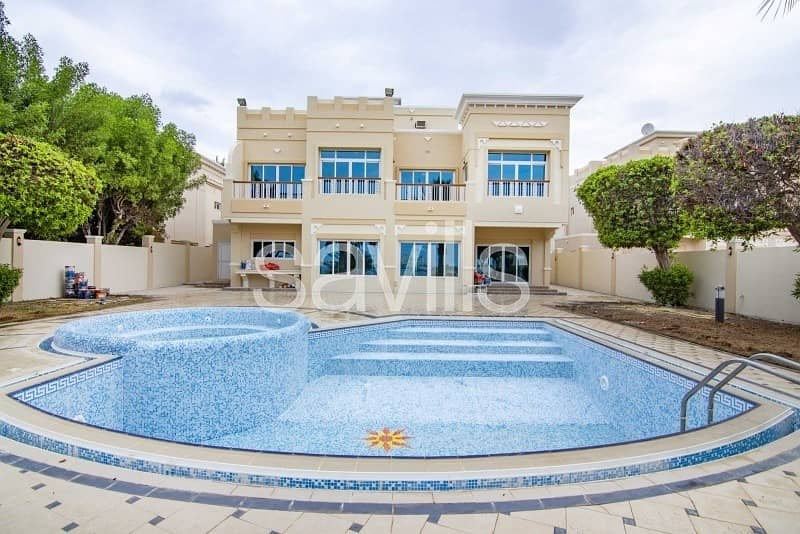 Luxury Four beds Villa in  Royal Marina