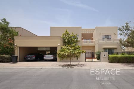 5 Bedroom Villa for Sale in The Meadows, Dubai - Detached 5 Beds | Vaastu | Park and Pool