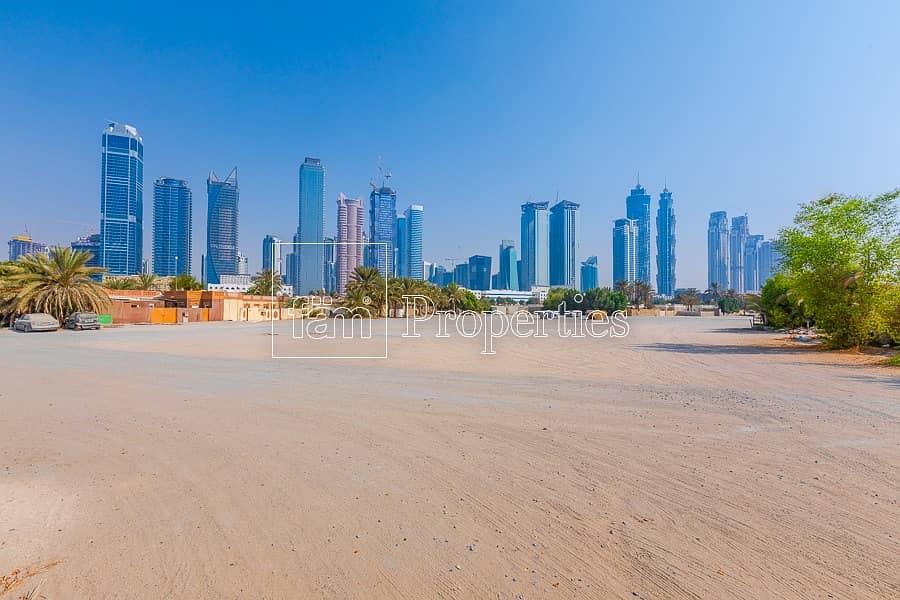 The biggest Corner - Park plot in Al Wasl Freehold