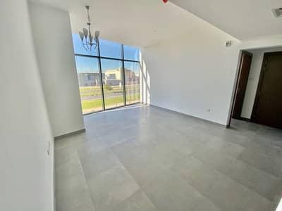 مبنى سكني  للايجار في مجمع دبي للاستثمار، دبي - living room