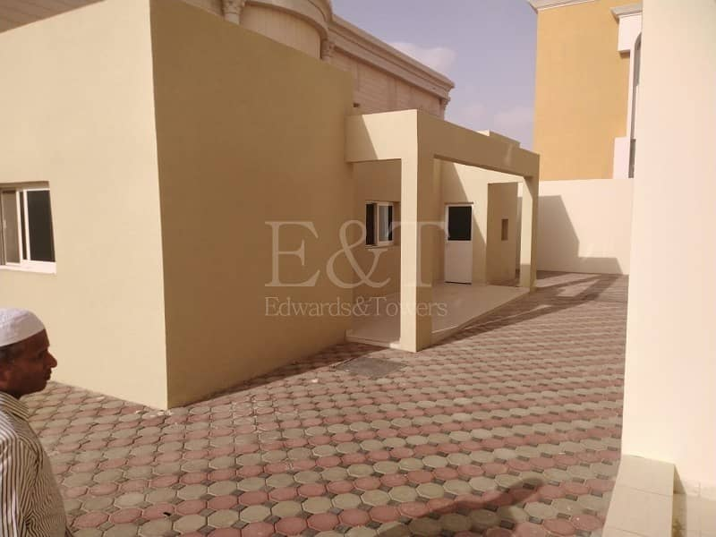 18 I Amazing Villa with Private Parking & Maid Room I