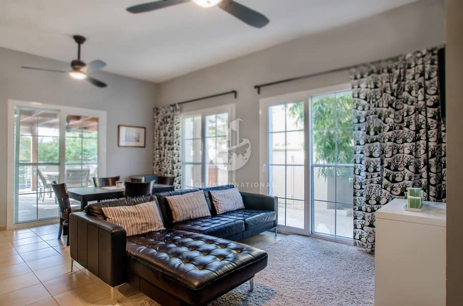 4BR Townhouse with Lake View