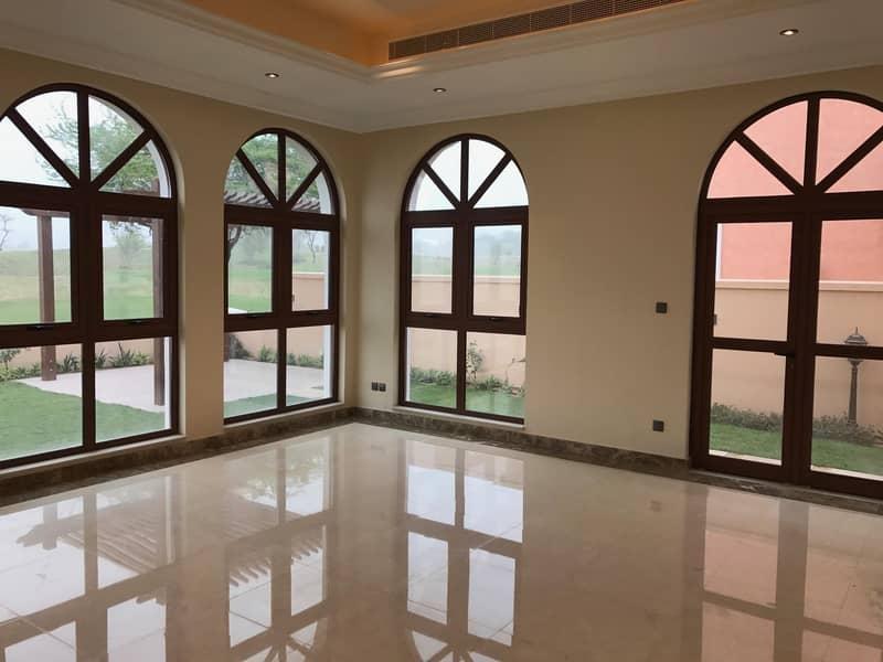 Unfurnished 4BR+Maids Room Independent Villa in Orang Lake