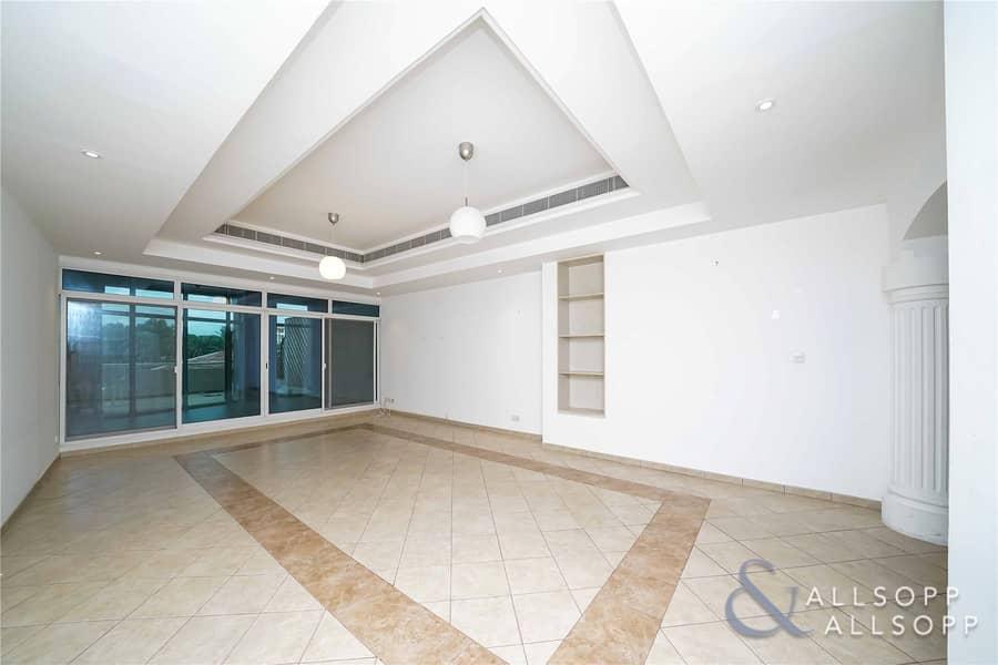 2 3 Bedrooms Terrace Apartment | Lake View