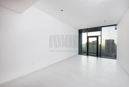 Studio for Rent in Business Bay, Dubai - Luxury Studio | High-End Quality Finish | Canal View