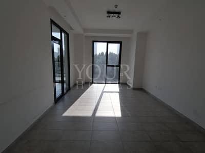 شقة 2 غرفة نوم للايجار في قرية جميرا الدائرية، دبي - Vacant 2Bed Apt Maid with Shower + Laundry