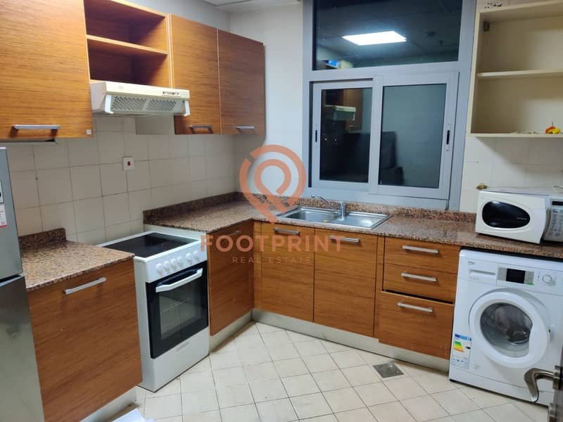 2 Close and Equipped Kitchen - Nicely Kept