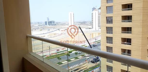 استوديو  للايجار في مدينة دبي للإنتاج، دبي - Lakeside Tower |  Studio With Parking Balcony | 4 Chqs