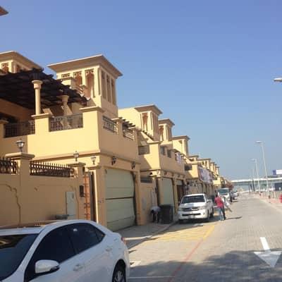 4 Bedroom Villa for Rent in Jumeirah, Dubai - Direct owner 5 br villa @ dubai canal-jumeira 2