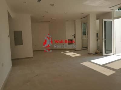 فيلا تجارية 11 غرف نوم للايجار في أم سقیم، دبي - Great Investment Opportunity In Ultra-Convenient Location