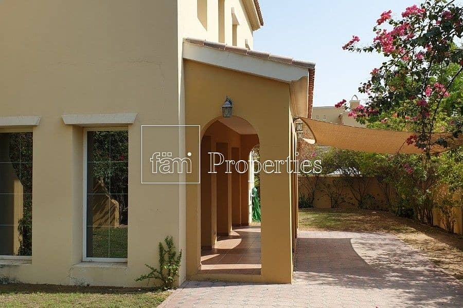 10 Type A   Large Living Area   4Bed+M   Vacant