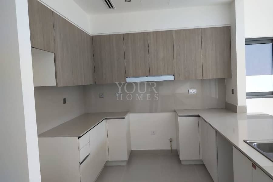 2 5Bed villa on lowest price in market @ 230K