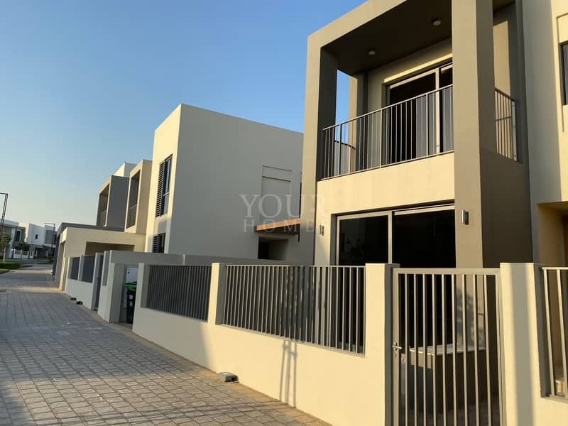 2 Corner 5BR Luxurious Villa Available for Rent