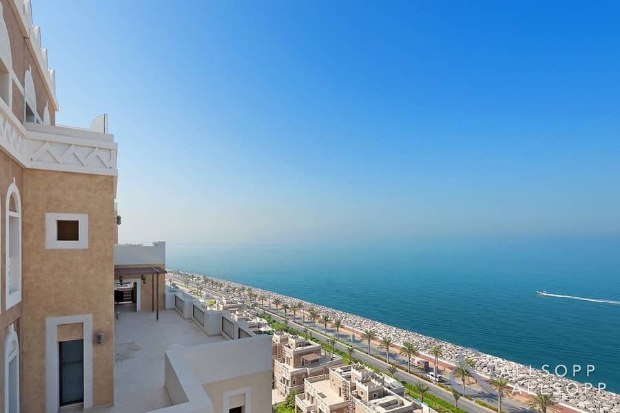 Spacious Penthouse | Sea View | 4 Bedrooms