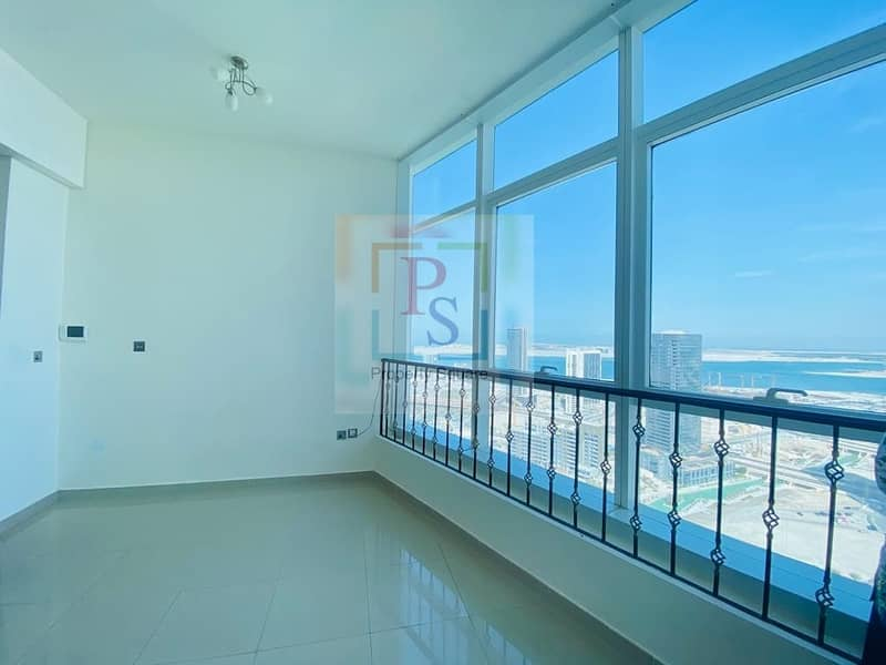 10 Stunning Sea View| Build in Wardrobs | With Parking