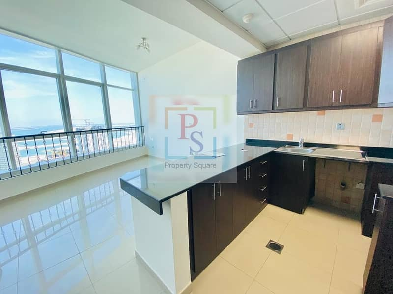 2 Stunning Sea View| Build in Wardrobs | With Parking