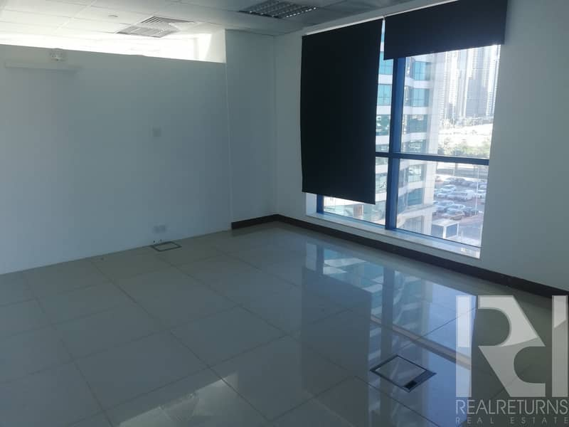 2 Ready to move in office for rent near the Metro