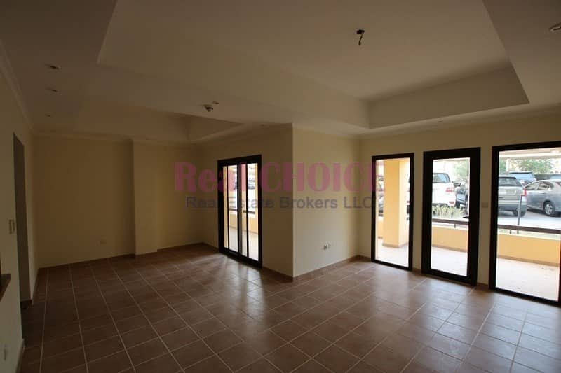 2BR apartment with huge terrace on ground floor