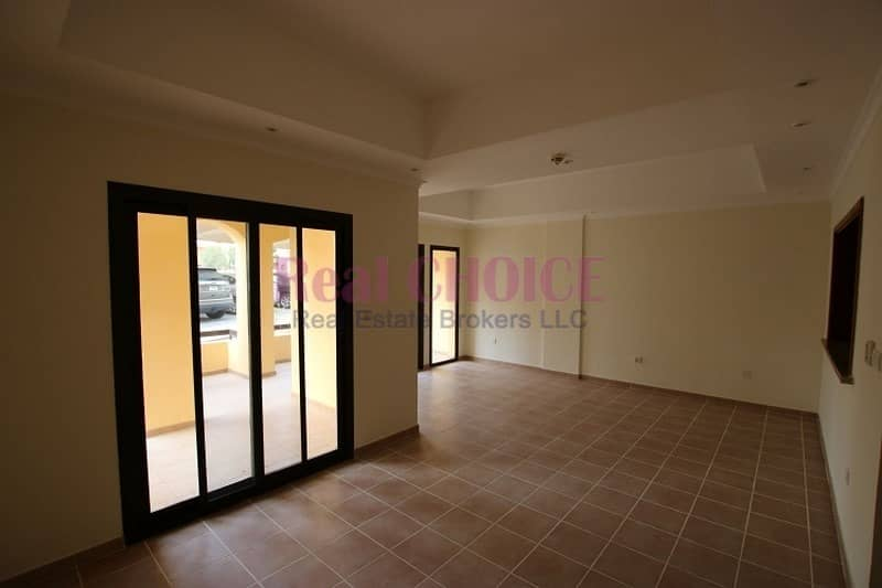 2 2BR apartment with huge terrace on ground floor