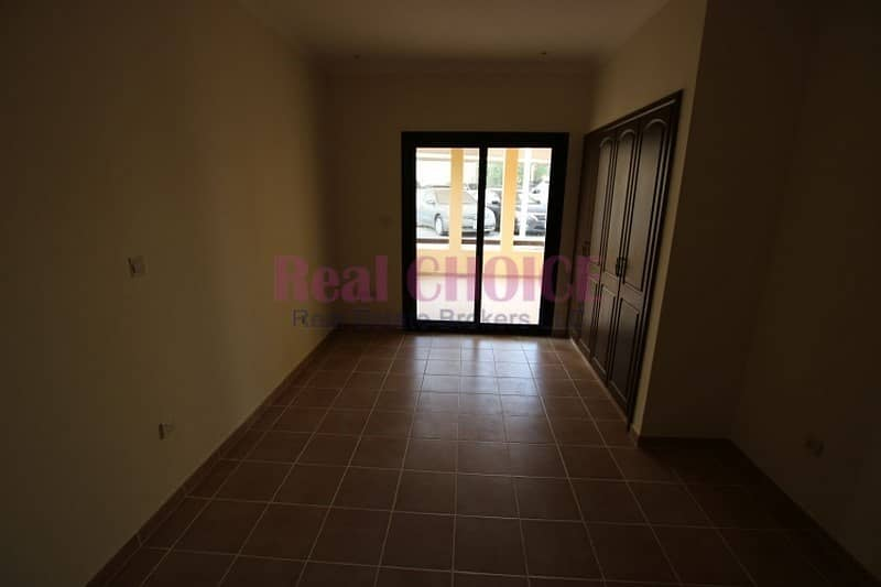 12 2BR apartment with huge terrace on ground floor