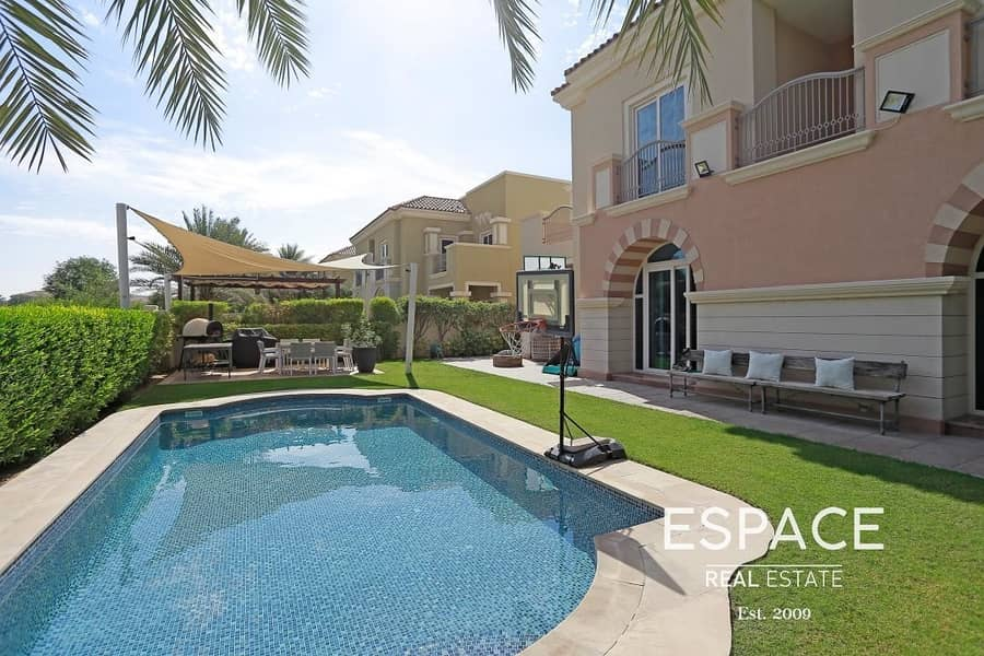Perfect Layout - Private Pool - Golf View