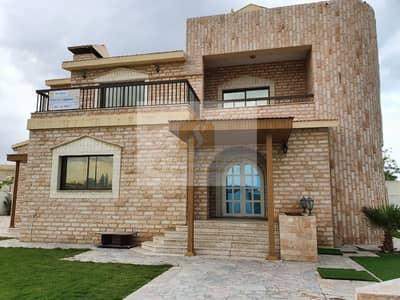 5 Bedroom Villa for Rent in Jumeirah, Dubai - JUMERIAH     HUGE JUMBO 5BR +MAIDS FOR RENT   WITH PRIVATE  POOL