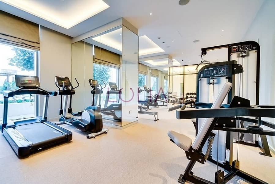 30 Luxurious 3 Bed + Maids + Full Burj View