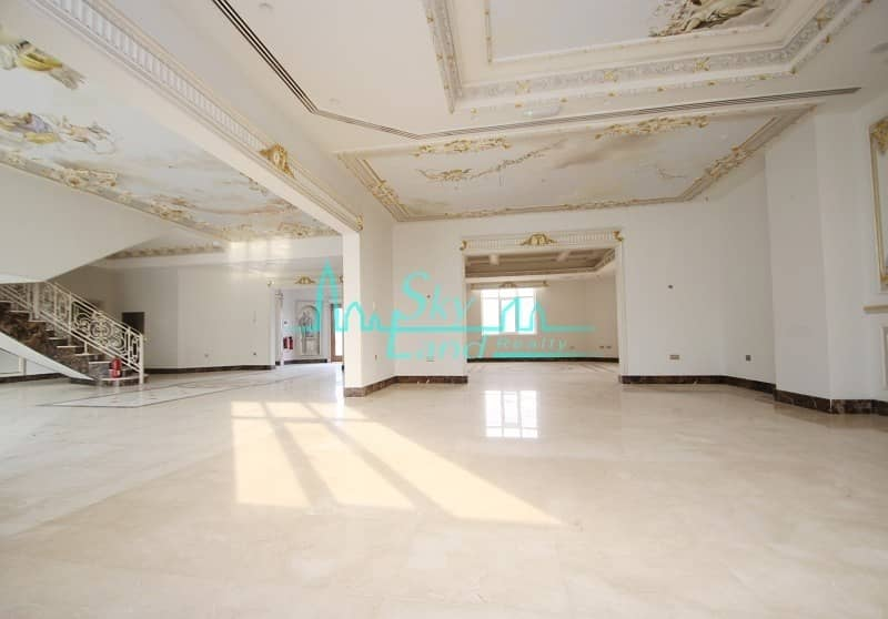 2 Beautiful  renovated commercial villa in Umm Suqeim 1