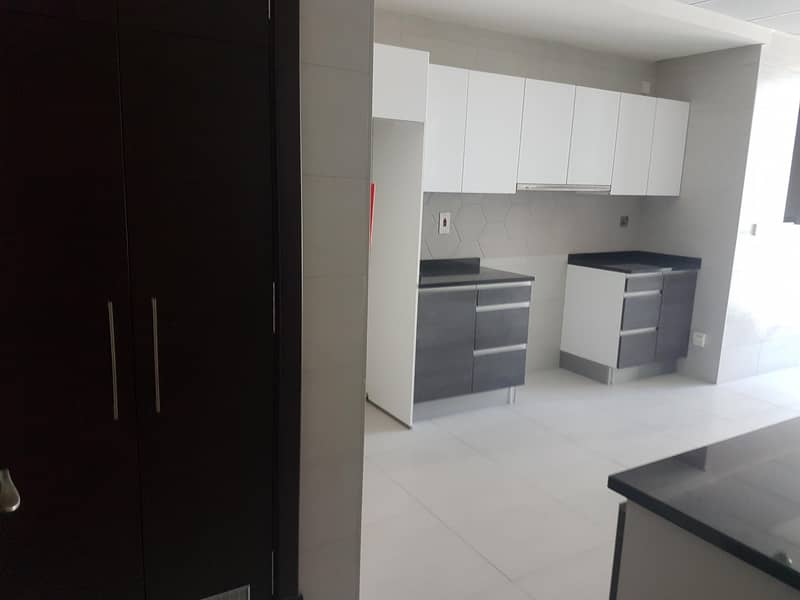 10 Call now for spacious 2BHK in Bhawan Tower