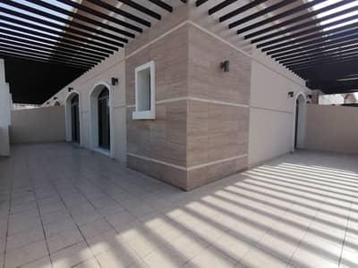 شقة 2 غرفة نوم للايجار في قرية جميرا الدائرية، دبي - Unique 2BHK with HUGE terrace for Rent