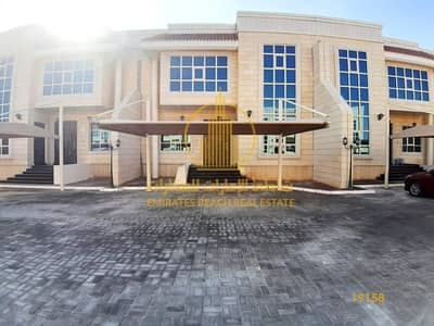فيلا مجمع سكني 5 غرف نوم للايجار في مدينة خليفة أ، أبوظبي - فيلا بتشطيب عالي الجودة جاهزة للسكن مباشرة