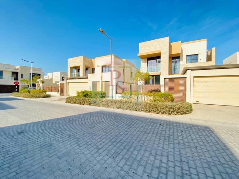 2 Exceptionally Beautiful 5BR Villa+Private Garden+Pool