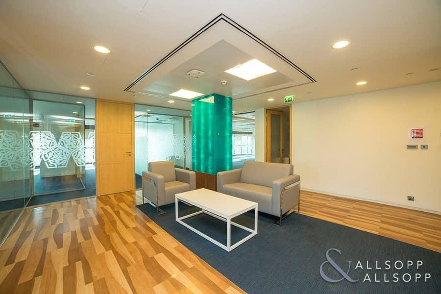 10 Full Floor | Luxury Fitted | Near To Metro