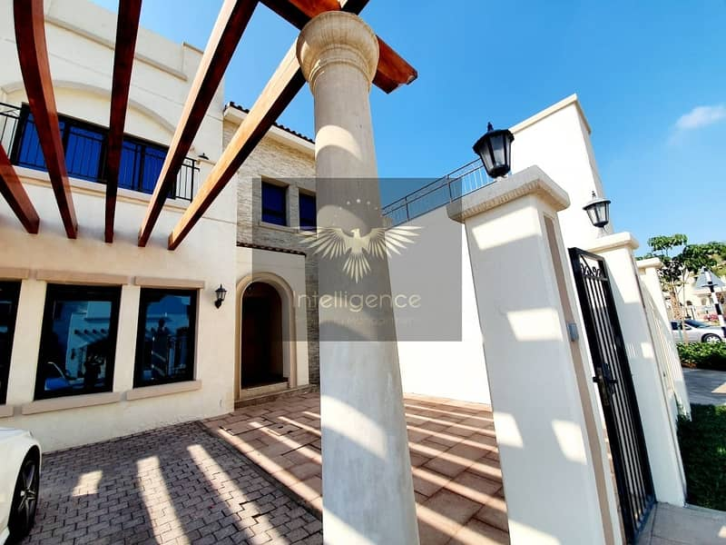 2 Invest in this Upgraded Villa in a Peaceful Community
