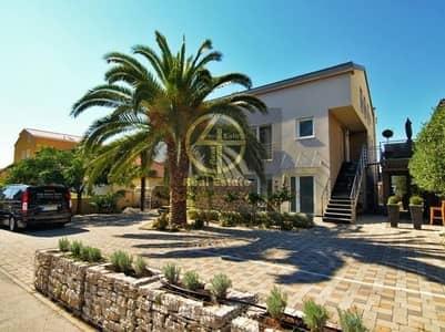 فیلا 7 غرف نوم للبيع في جنوب الشامخة، أبوظبي - Independent Prestigious 7 BR Villa