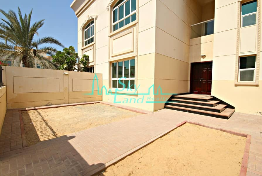 1 Month Free| Well Maintained 3 Bed+m Villa