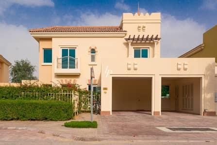 فیلا 5 غرف نوم للايجار في مدينة دبي الرياضية، دبي - Immaculately Maintained Villa|Charming Garden